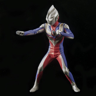 X-Plus Ultraman Tiga Vinyl Figure Review