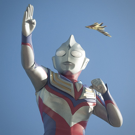 X-Plus Ultraman Tiga vinyl figure photo embellishement with Gutswing. Photo copyright, John Stanowski.