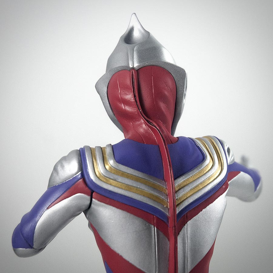 X Plus Ultraman Tiga Vinyl Figure Review