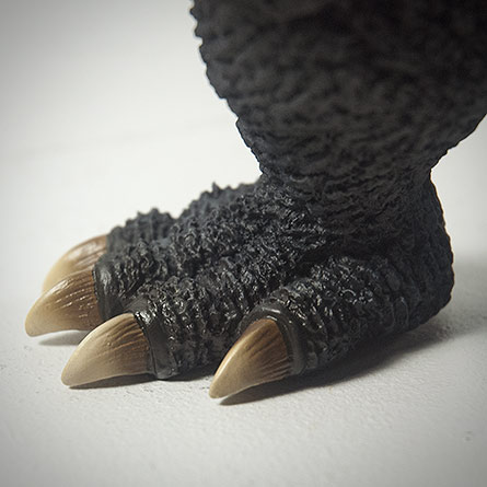X-Plus エクスプラス 30cm Godzilla 2004 Vinyl Figure - The Foot. Photo copyright, John Stanowski.