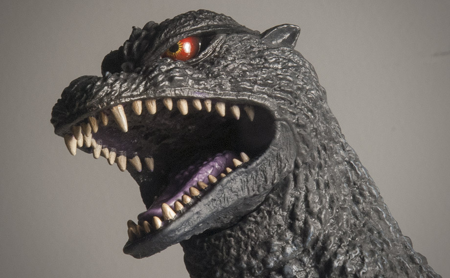 X-Plus エクスプラス 30cm Godzilla 2004 Vinyl Figure - Headshot. Photo copyright, John Stanowski.