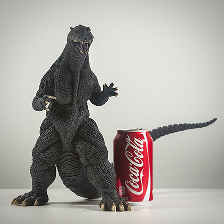 X-Plus エクスプラス 30cm Godzilla 2004 Vinyl Figure Size Compared to Aluminum Can. Photo copyright, John Stanowski.