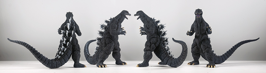 X-Plus エクスプラス 30cm Godzilla 2004 Vinyl Figure - All Angles. Photo copyright, John Stanowski.