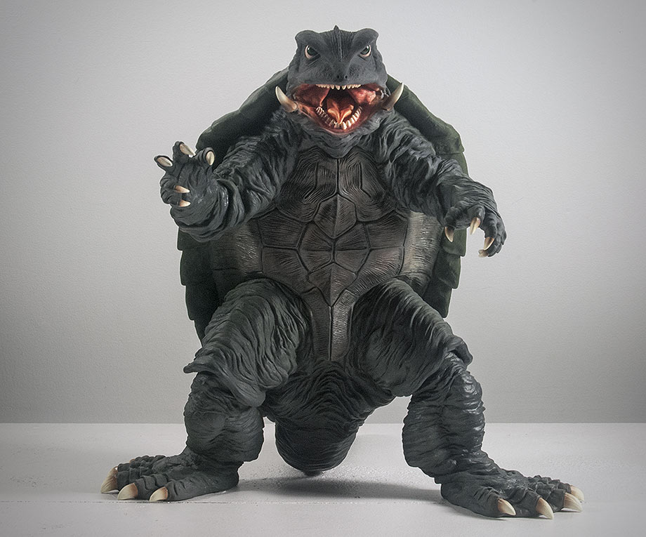 X-Plus エクスプラス 30cm Gamera 1995 Vinyl Figure - Front View. Photo copyright, John Stanowski.