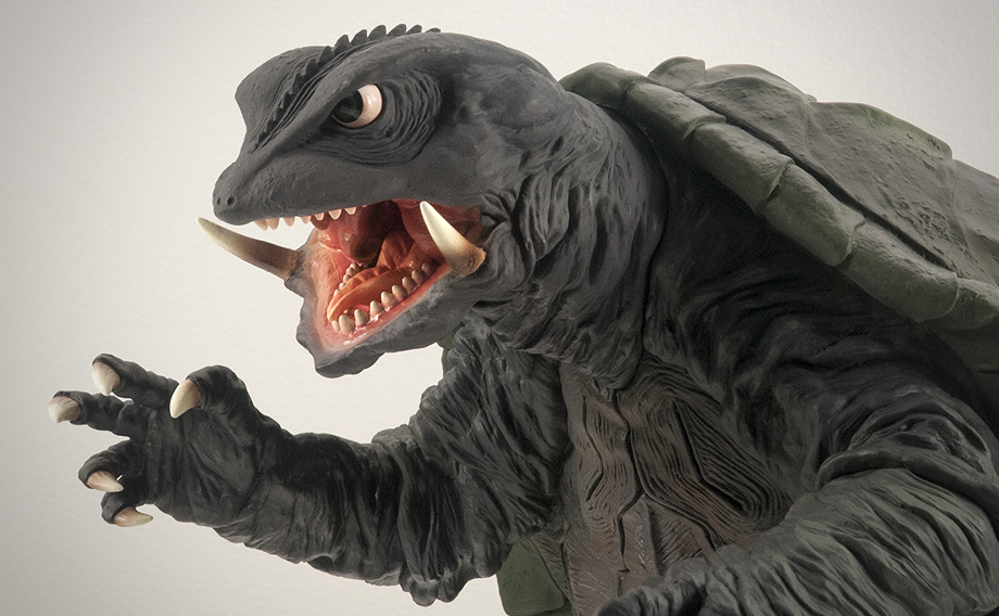 X-Plus エクスプラス 30cm Gamera 1995 Vinyl Figure - Med Shot. Photo copyright, John Stanowski.