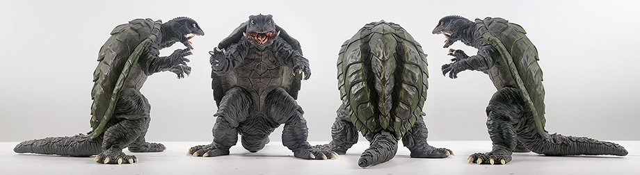 X-Plus エクスプラス 30cm Gamera 1995 Vinyl Figure - All Views. Photo copyright, John Stanowski.