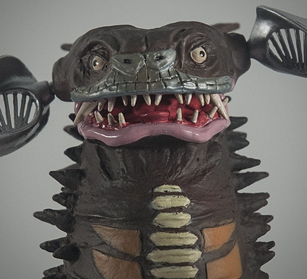 X-Plus Giant Series Gyango Vinyl Figure - Head Closeup - ウルトラマン編 「脳波怪獣 ギャンゴ」- Photo Copyright, John Stanowski.