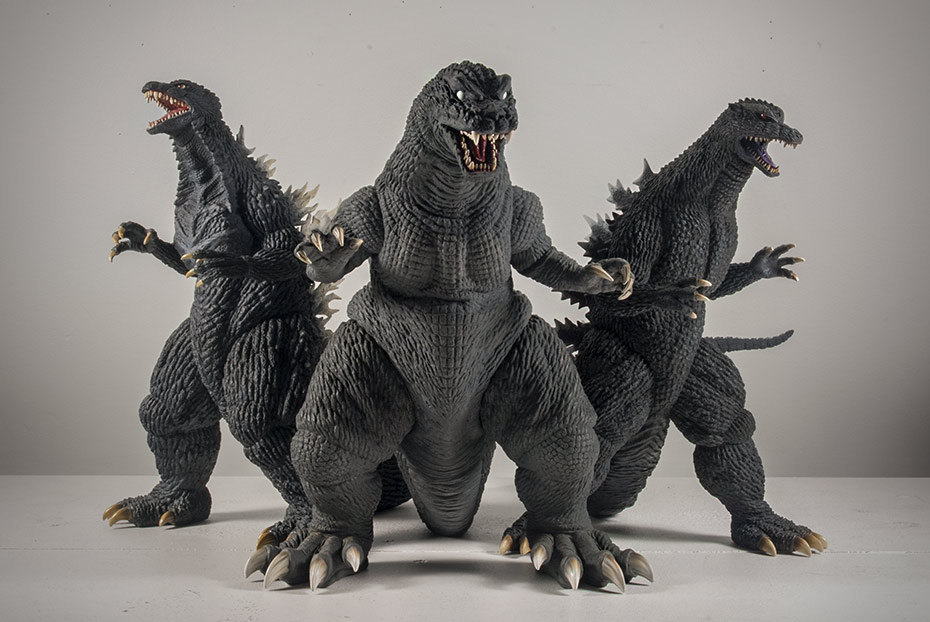 X-Plus / Plex 30cm Godzilla 2001 size comparison with Godzilla 2003 and 2004.