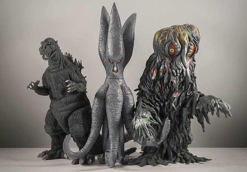 X-Plus Viras size comparison with 30cm Godzilla and Hedorah.