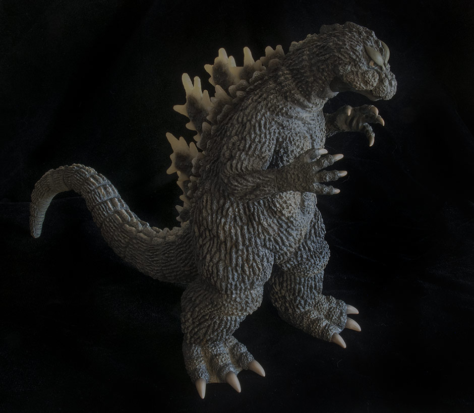 X-Plus Godzilla 1962 Vinyl Figure - High shot.
