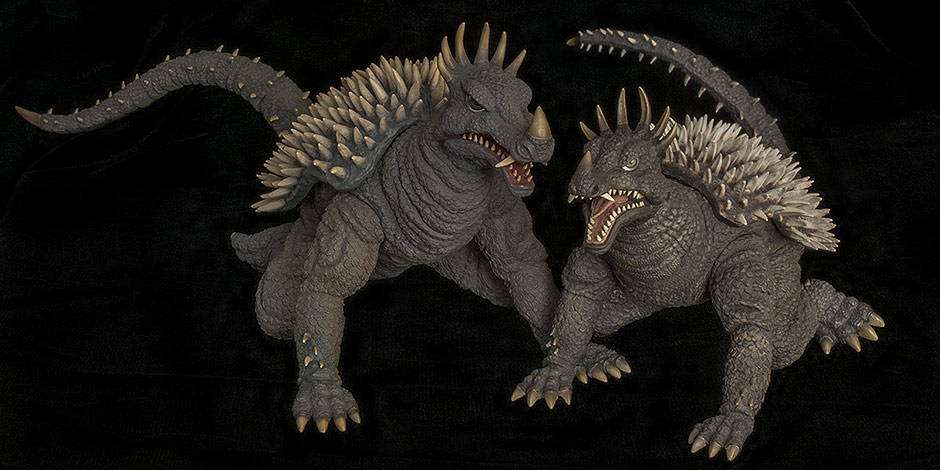Size comparison between X-Plus 30cm Anguirus and 25cm version.
