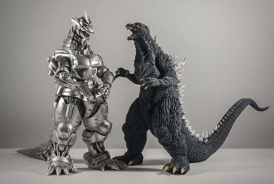 Kiryu size comparison with Godzilla 2003 figure.