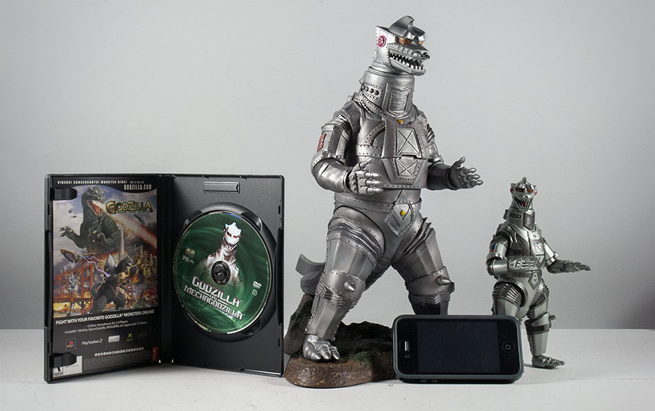 Mechagodzilla size comparison with various household items.