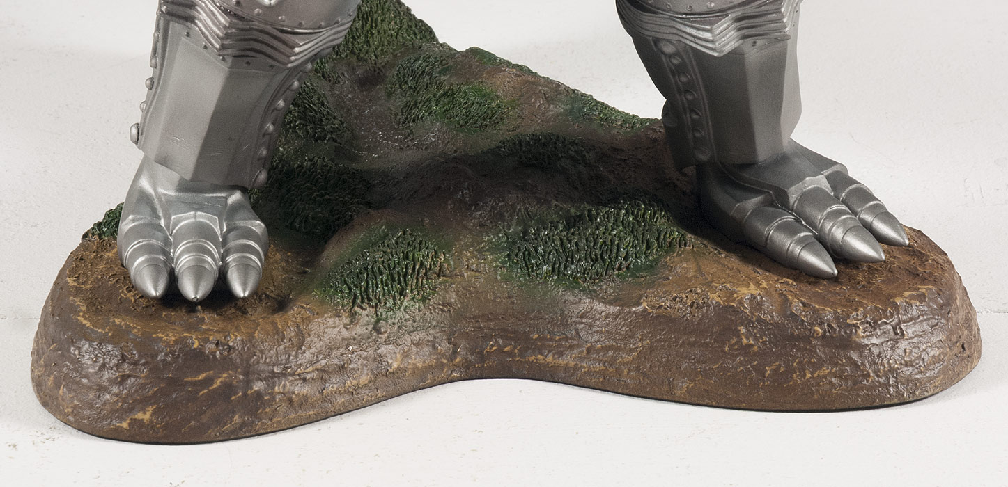 After repair, Mechagodzilla's feet fit right in place on the base.