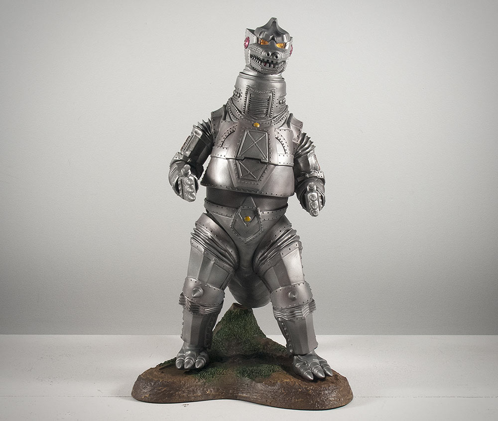 A 'leaning' X-Plus Mechagodzilla 1974 deformed in the packaging.