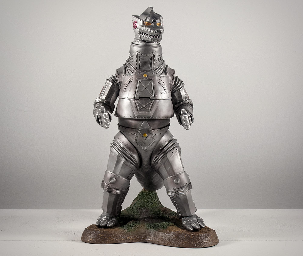 After repair, the X-Plus Mechagodzilla stands up straight!