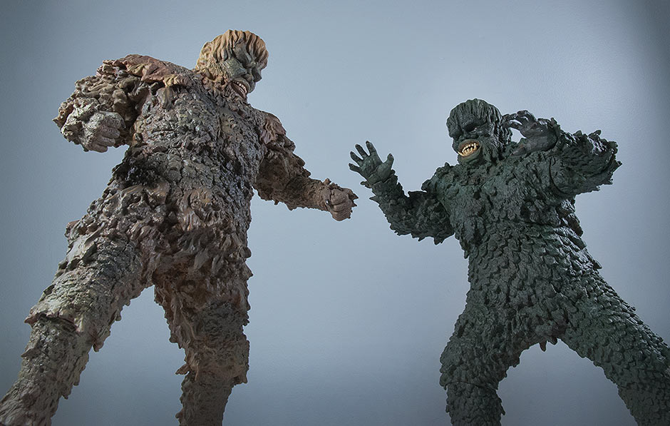 X-Plus Sanda vs Gaira vinyl figure fight scene.