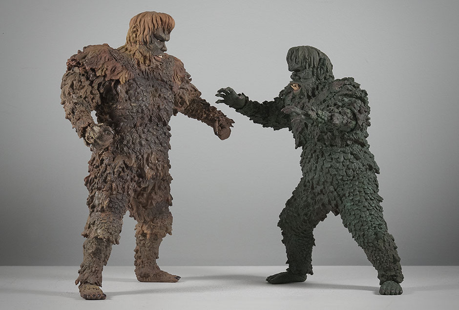 X-Plus Gargantuas Sanda and Gaira face off.