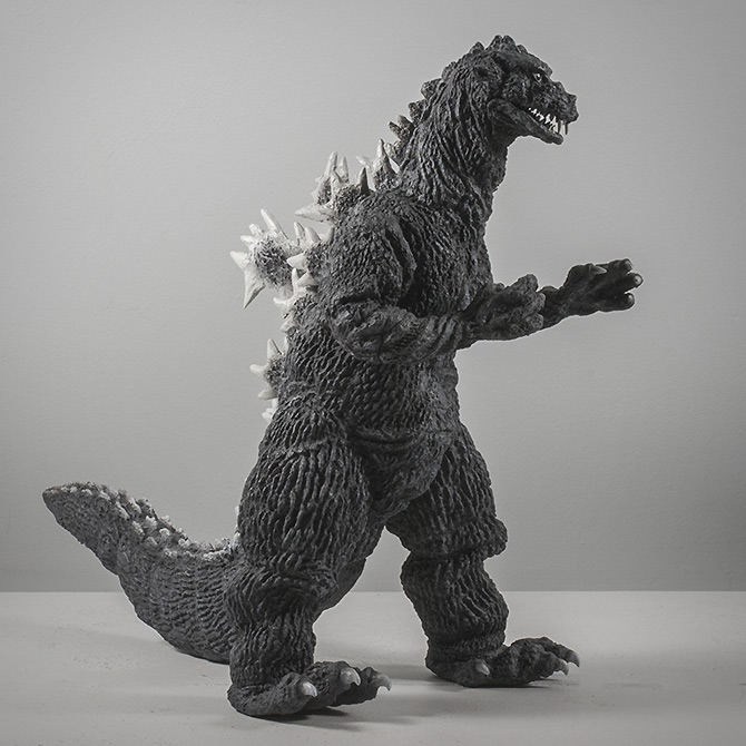 X-Plus Toho 30cm Series Godzilla 1955 Vinyl Figure Review by Kaiju Addicts.
