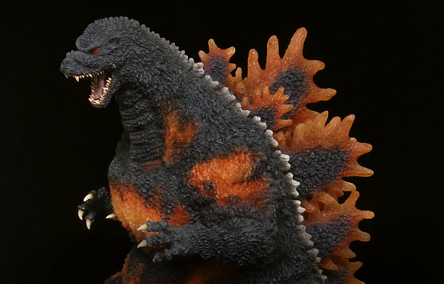 X-Plus Gigantic Series Godzilla 1995 High Resolution Photos at SciFi Japan.
