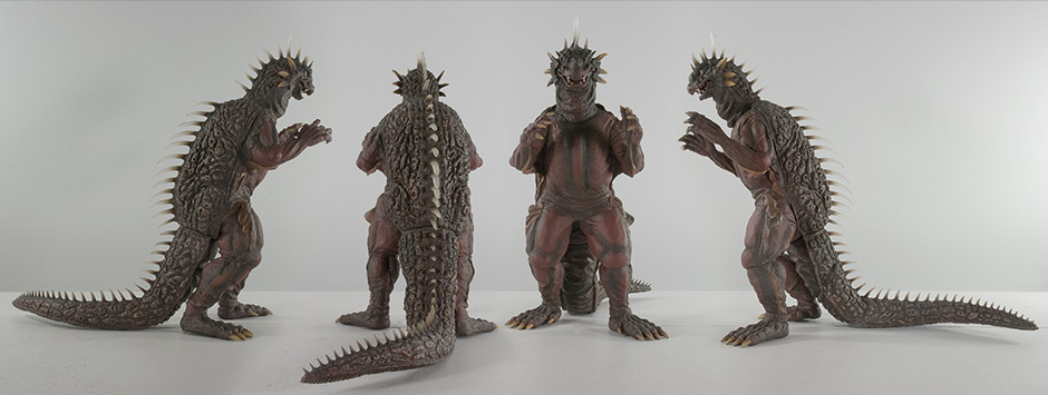 X-Plus 30cm Varan Vinyl Figure - View of all Angles.