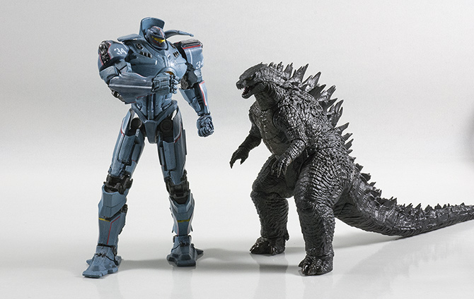 NECA 12inch Head-to-Tail with NECA Pacific Rim Gipsy Danger.