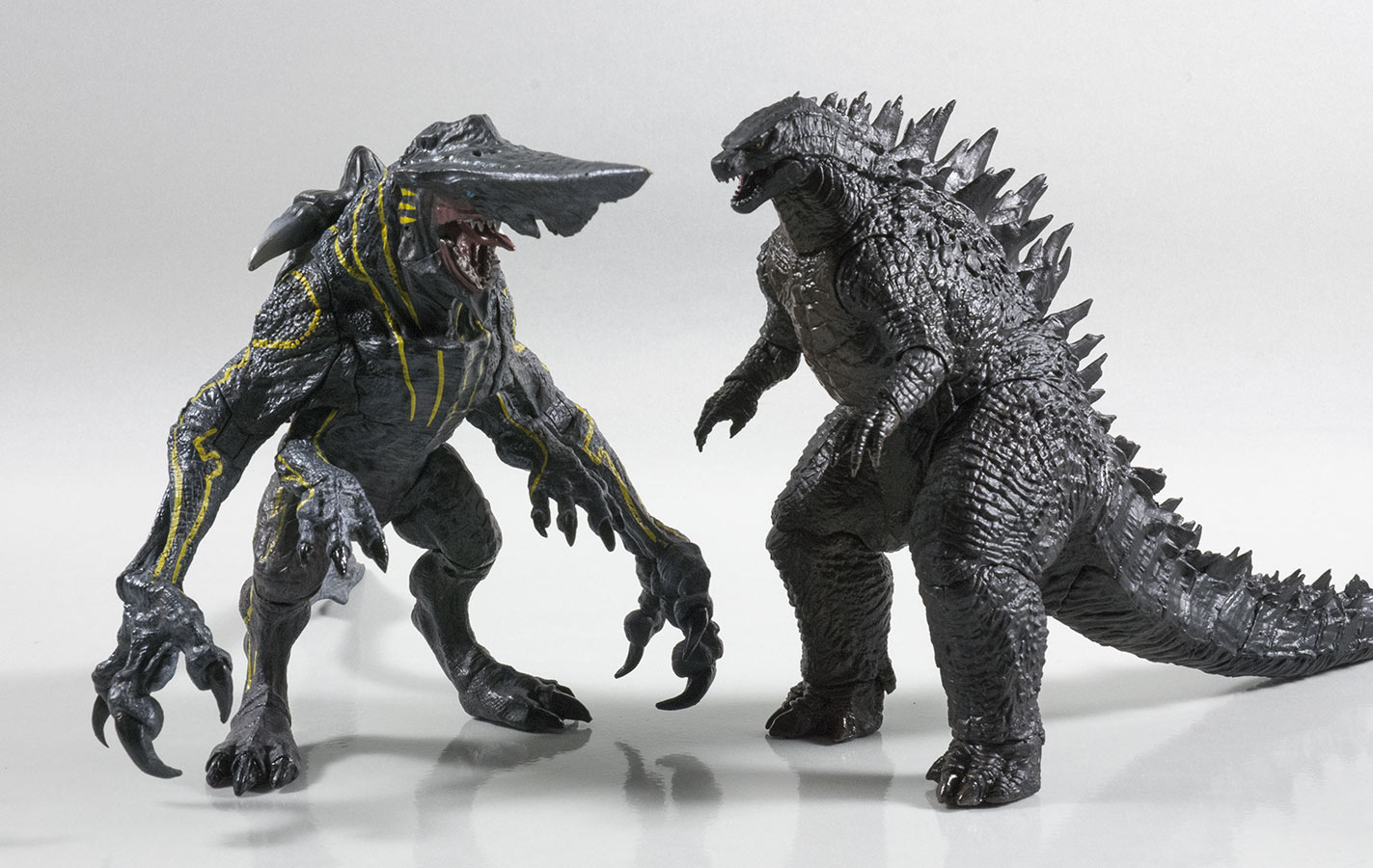 NECA 12inch Head-to-Tail with NECA Pacific Rim Knifehead.