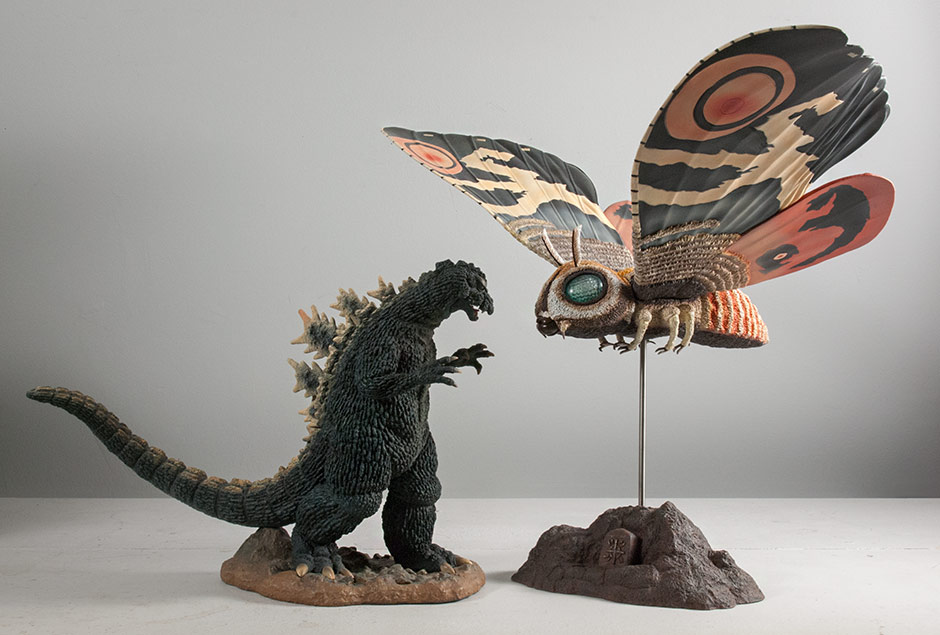 Size comparison with the Large Monster Series Godzilla 1964.