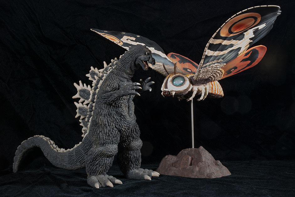X-Plus Large Monster Series Mothra figure size comparison with 30cm Series Godzilla 1964 figure.