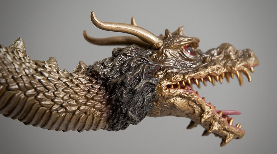 Close-up of a King Ghidorah mane.