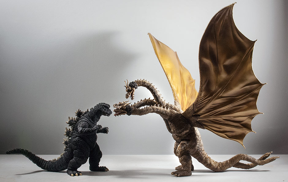 Size comparison between the X-Plus Large Monster Series King Ghidorah 1968 and Godzilla 1968.