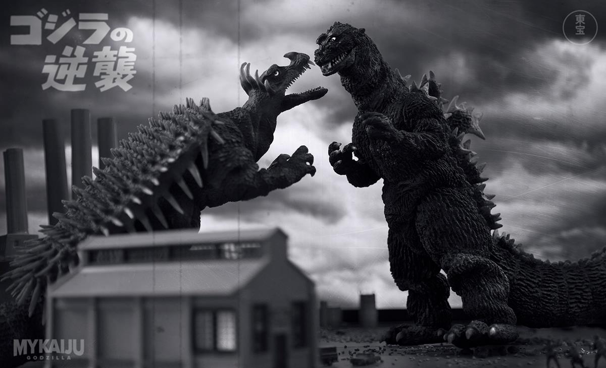 The X-Plus 30cm Series Godzilla 1955 and Anguirus 1955 shot by John Ruffin.