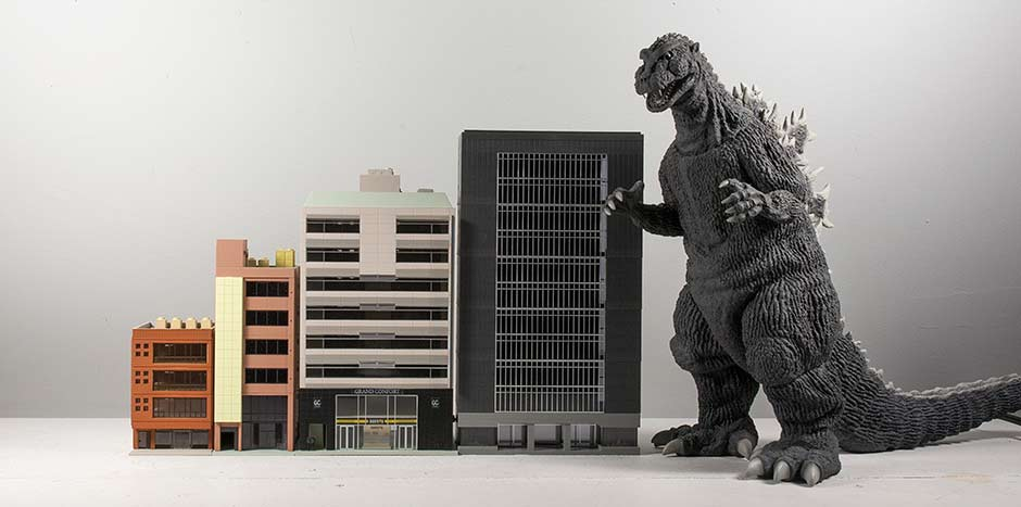 X-Plus 30cm Series Godzilla 1954 with unboxed N-Scale buildings.