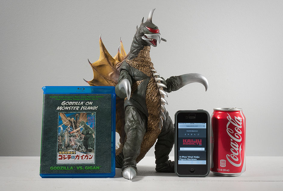 Size comparison between X-Plus Gigan vinyl figure and some real world objects.
