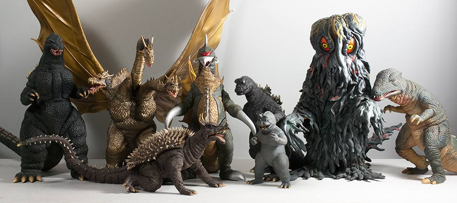 Size comparison between 30cm Series Gigan and other recently released figures.