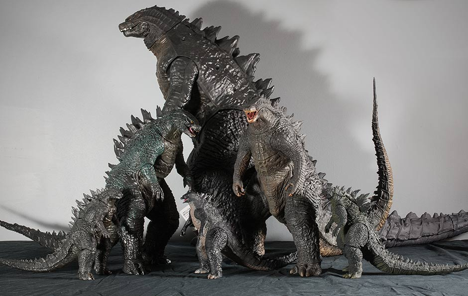 X-Plus 30cm Series Godzilla 2014 size comparison with all recent G'14 figures.