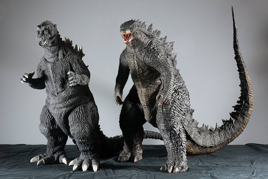 X-Plus Godzilla 2014 vinyl size comparison with Godzilla 1954.
