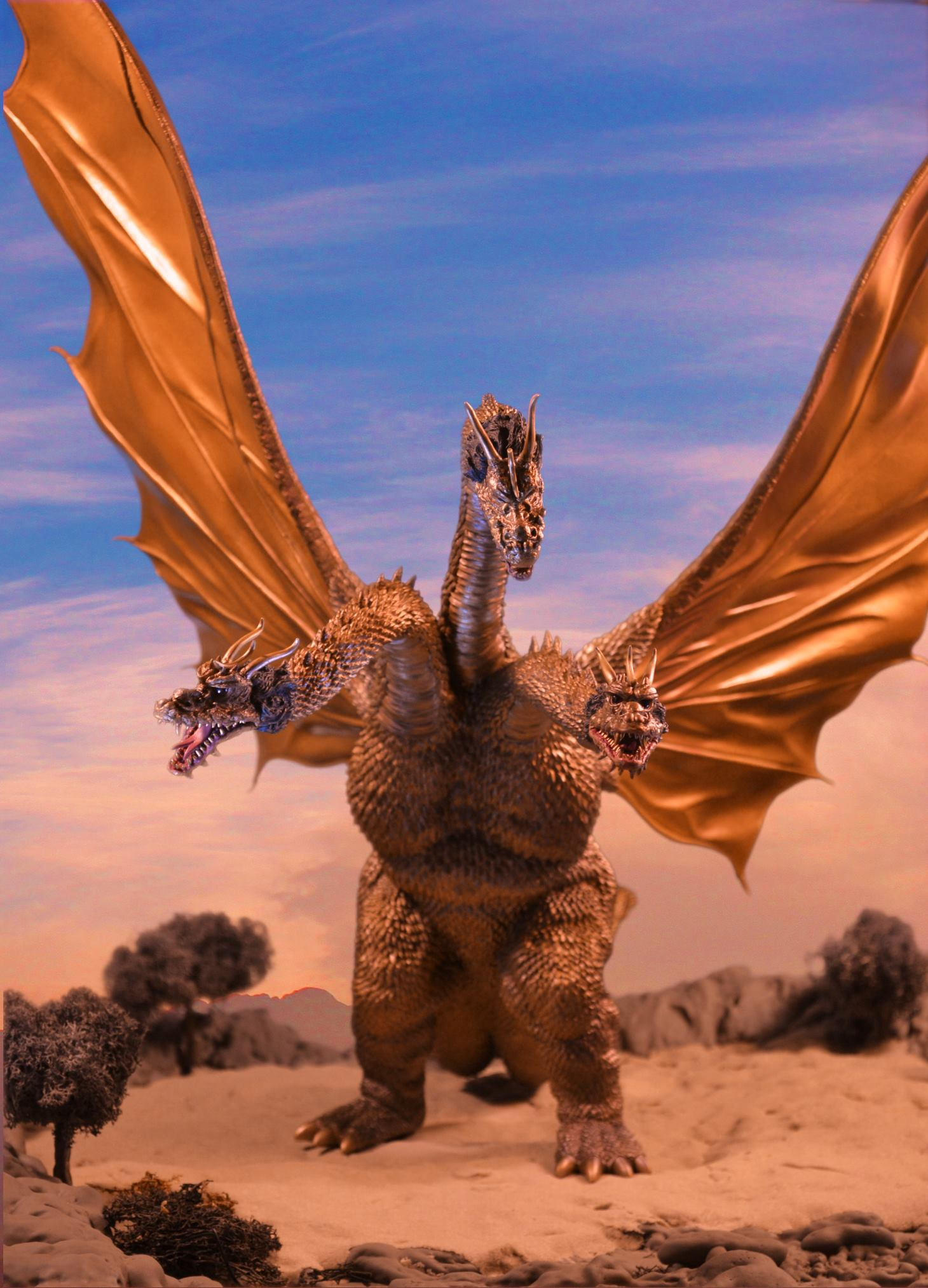 X-Plus King Ghidorah vinyl figure photo by Sam Torres.