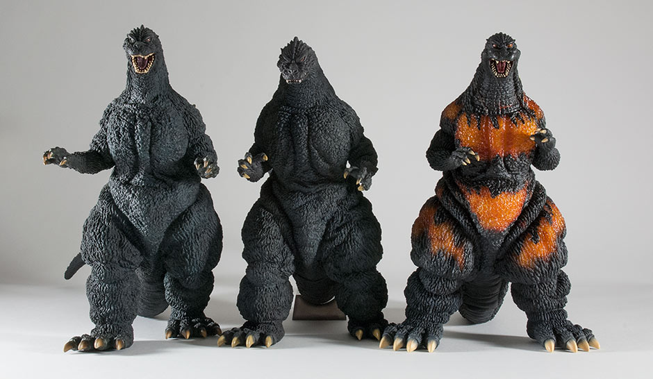 Size comparison with the 30cm Series Yuji Sakai Godzilla 1989 and 1991.