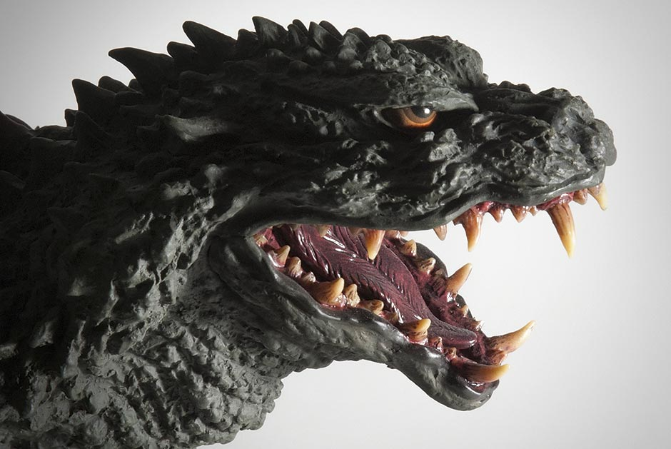X-Plus Gigantic Series Godzilla 1999 head close-up.