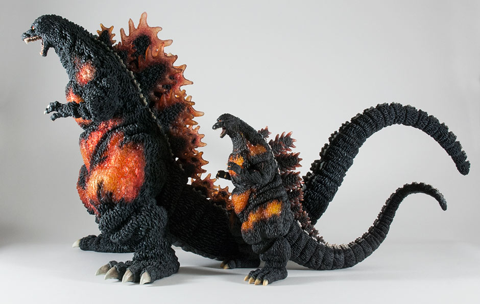 Size comparison with the Gigantic Series Godzilla 1995.