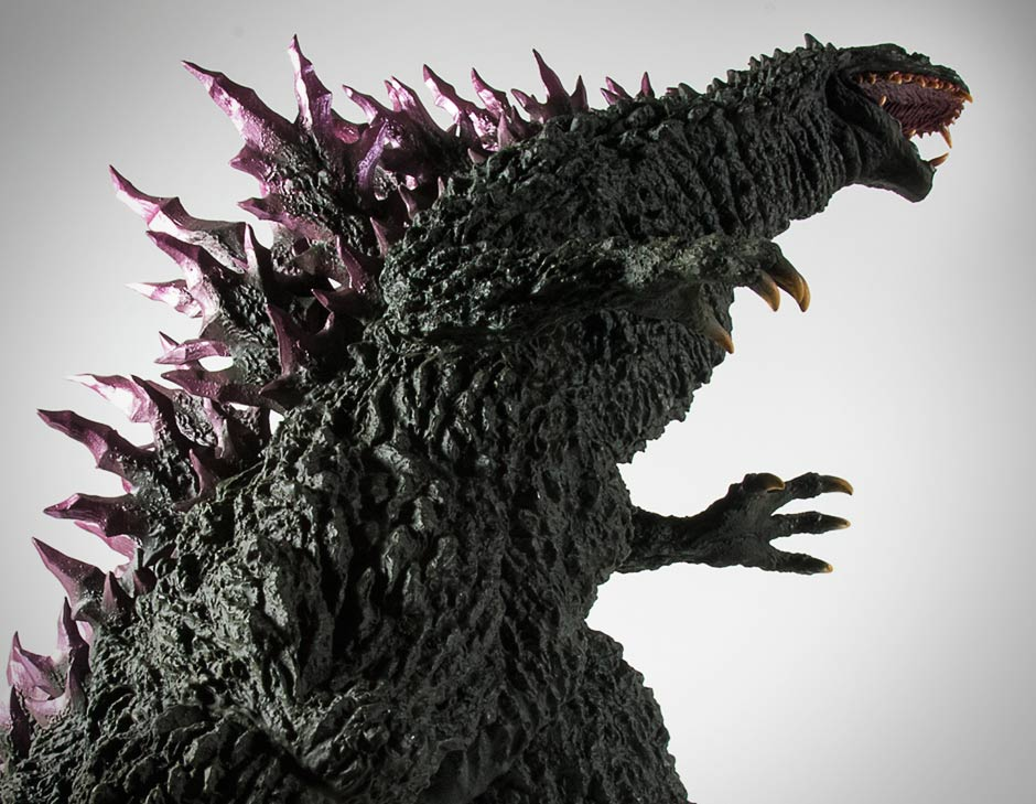 Another low angle of the Gigantic Series Godzilla 1999.