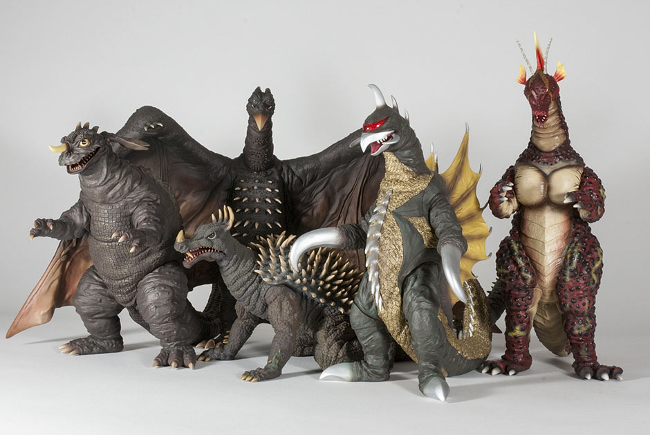 Size Comparison between the 12in Series Rodan 1964 and the rest of the 12in Showa figures.