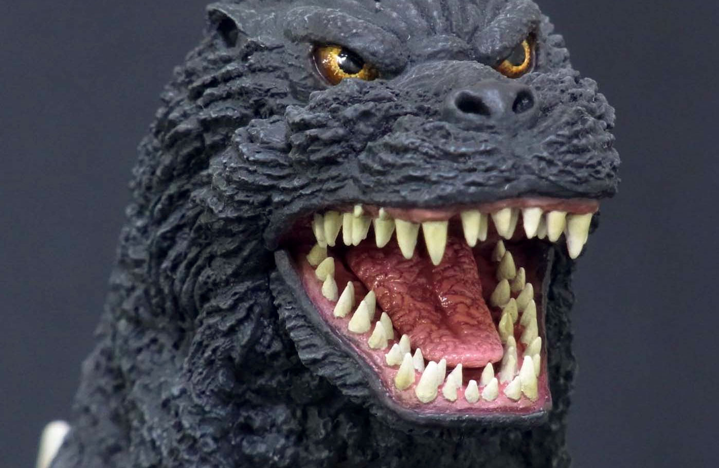 Close-up of the Toho 30cm Series Godzilla 1992 from SciFi Japan.