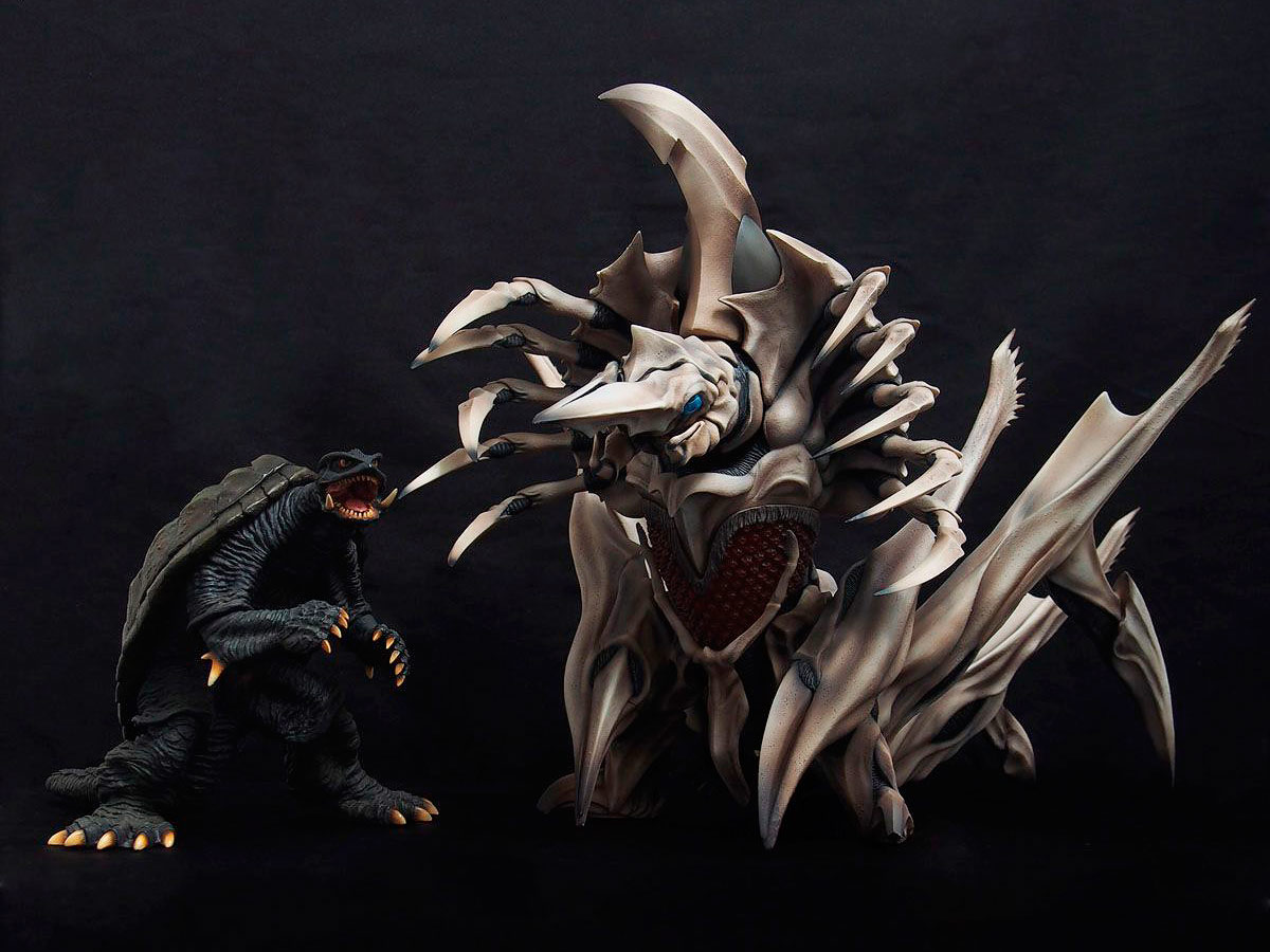 Size comparison between X-Plus Large Monster Series Gamera 1996 and Legion figures.