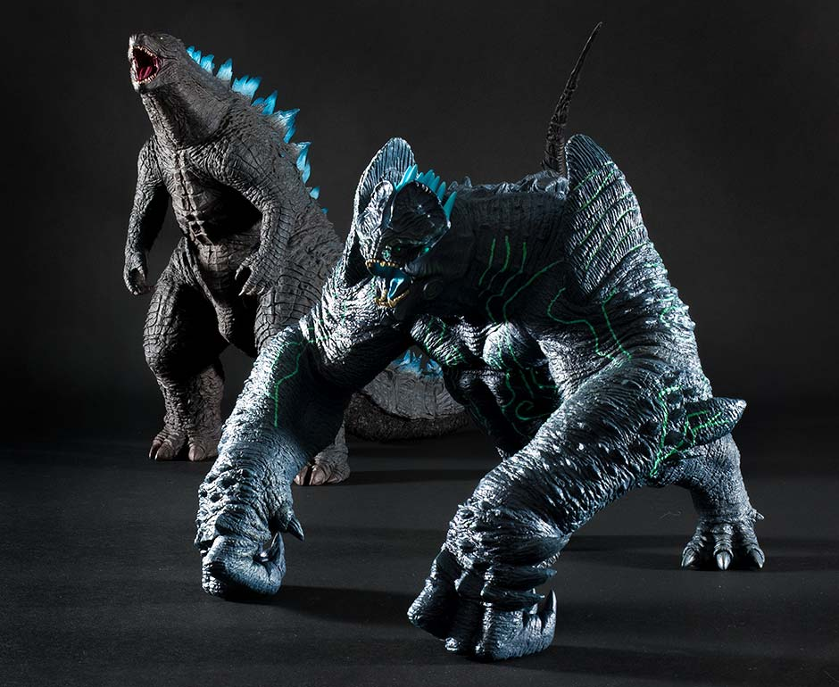 X-Plus Leatherback vinyl figure with Godzilla 2014 Roaring version.