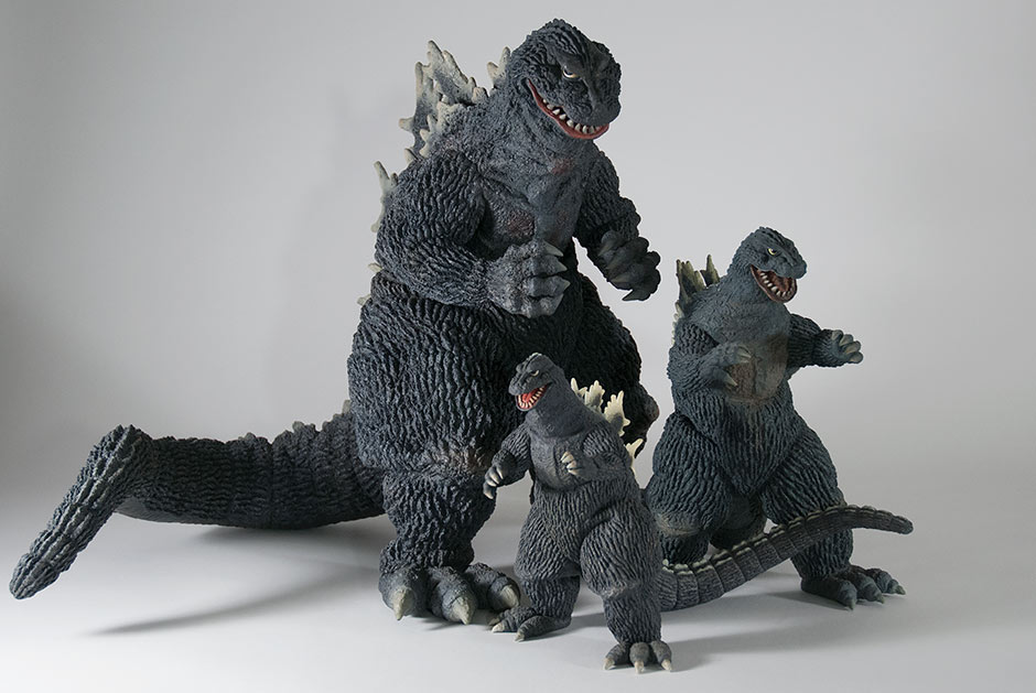 Size comparison between Godzilla 1962 from the Gigantic Series, 30cm Series and Large Monster Series.