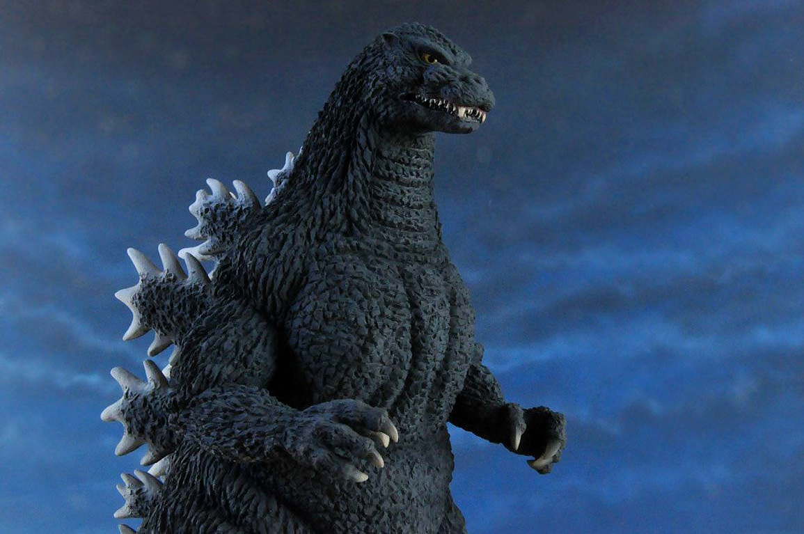 The Toho 30cm Series Yuji Sakai Modelling Collection Godzilla 1992 against a dark sky.