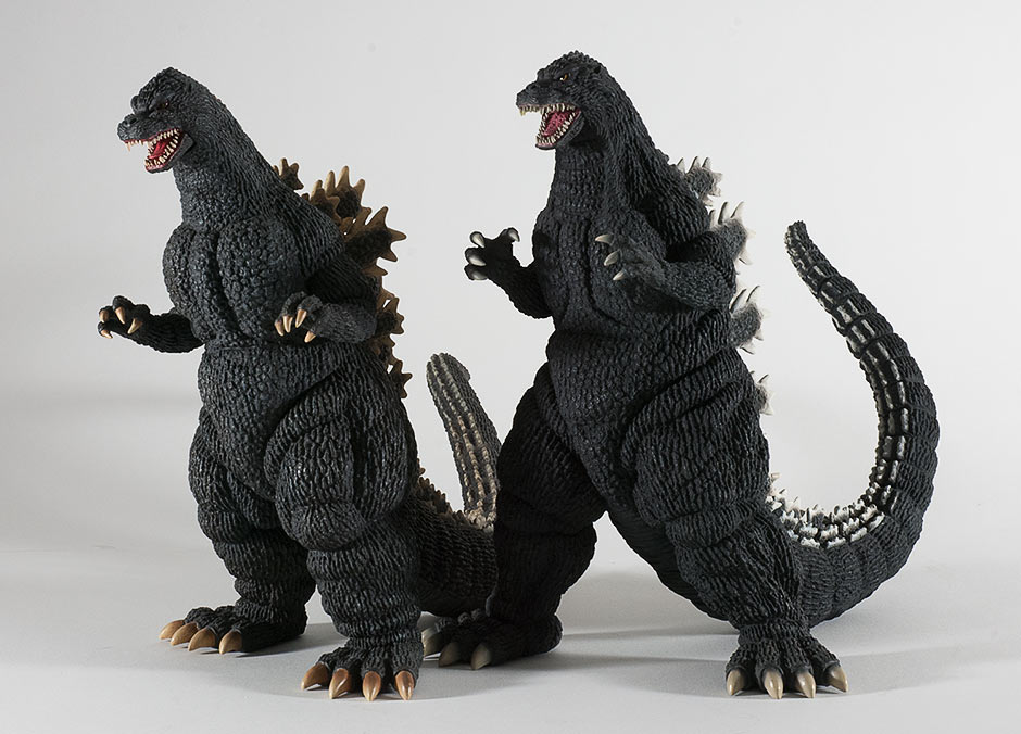 Size comparison with the 30cm Series Godzilla 1989.