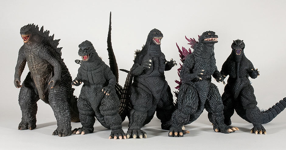 X-Plus Godzilla 1992 size comparison with various other 30cm Series figures.